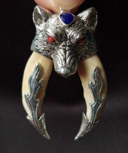China Decorated Miao Silver Carving Lifelike Fierce Wolf Head Exorcise Pendant