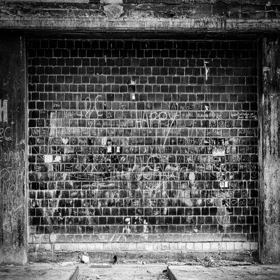 Graffiti Brick Wall Photography Backgrounds 10x10ft Seamless Photo