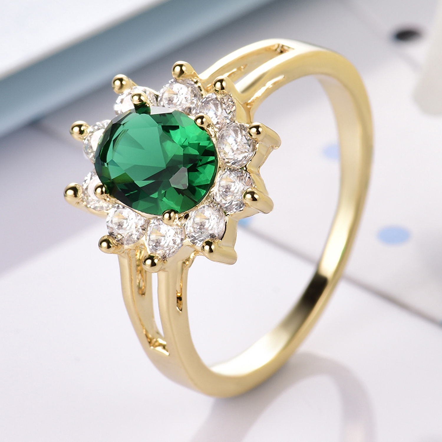 Lady/'s Size 6 Green Emerald Crystal Wedding Ring Women/'s 18Kt Yellow Gold Filled