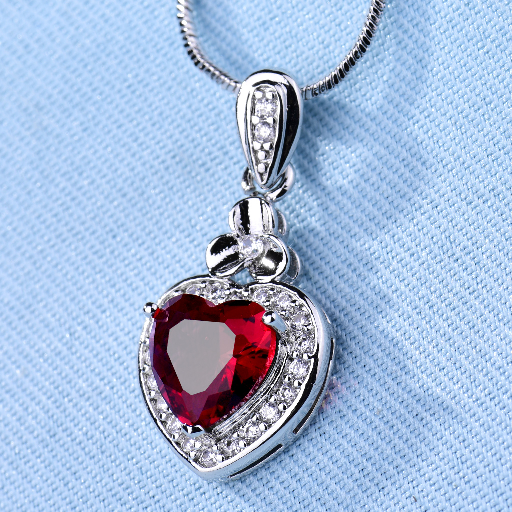 Pendant Heart Ruby Red Crystal Silver Gold Filled Women Lady Clover Necklace BOX