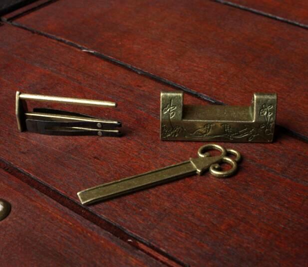 Vintage Retro Excellent Carved Magpie Bird Flower Leaf Padlock Lock /& Key Gift ~