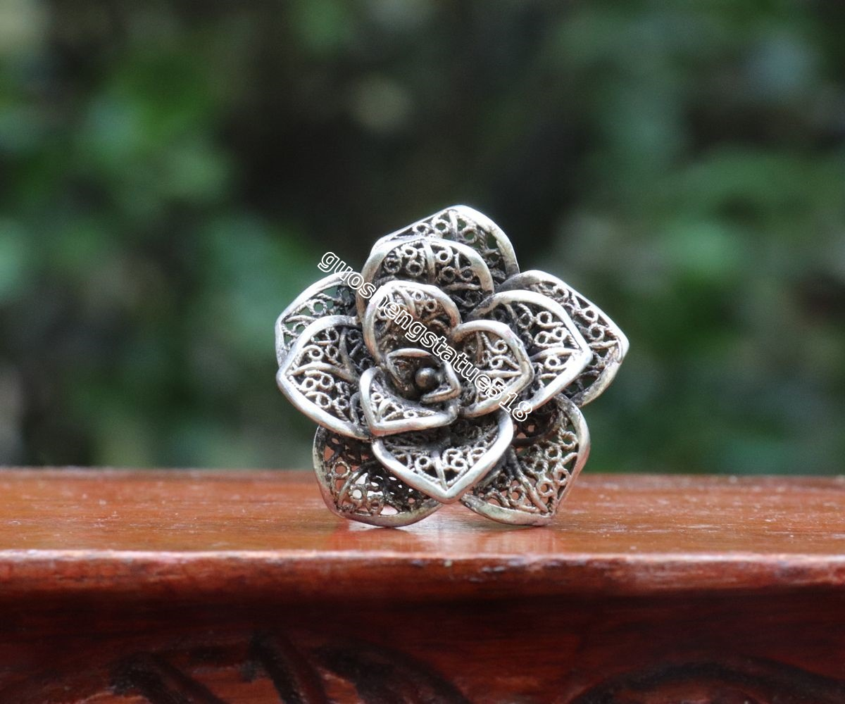 China Miao Jewelry Silver Flexible rotate hollow out Flower Pattern Finger Ring