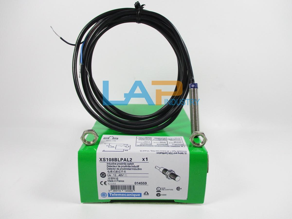 TELEMECANIQUE SENSORS XS208BLPAL2 Proximity Sensor,Inductive,8mm,PNP,NO