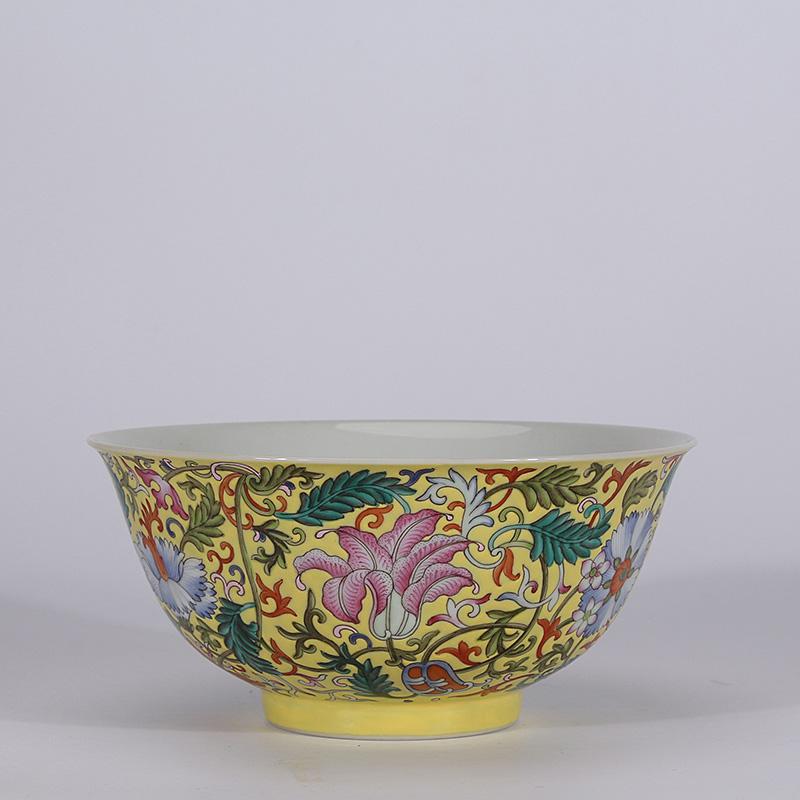 Chinese Qianlong old antique Porcelain famille rose interlock branch flower bowl