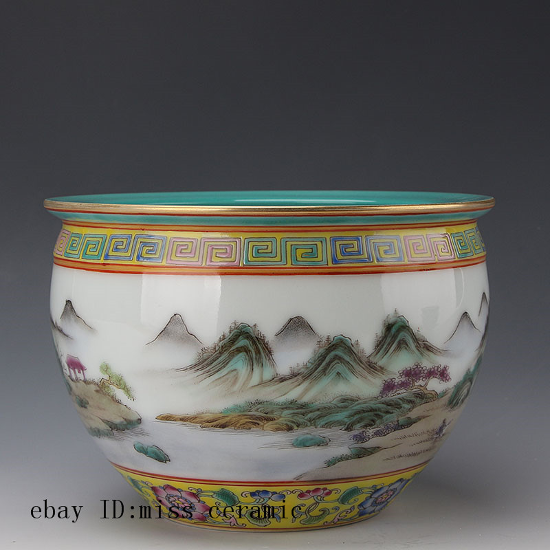 Chinese antique Porcelain Qianlong marked famille rose gilt landscape jar pot