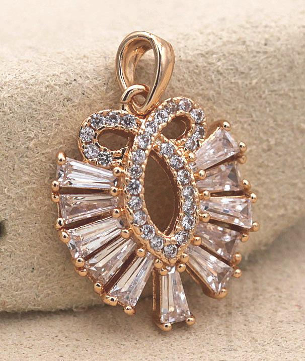 18K Gold Filled Peacock Hollow Swirl Siamese Clear Zircon Trapezoid Pendant