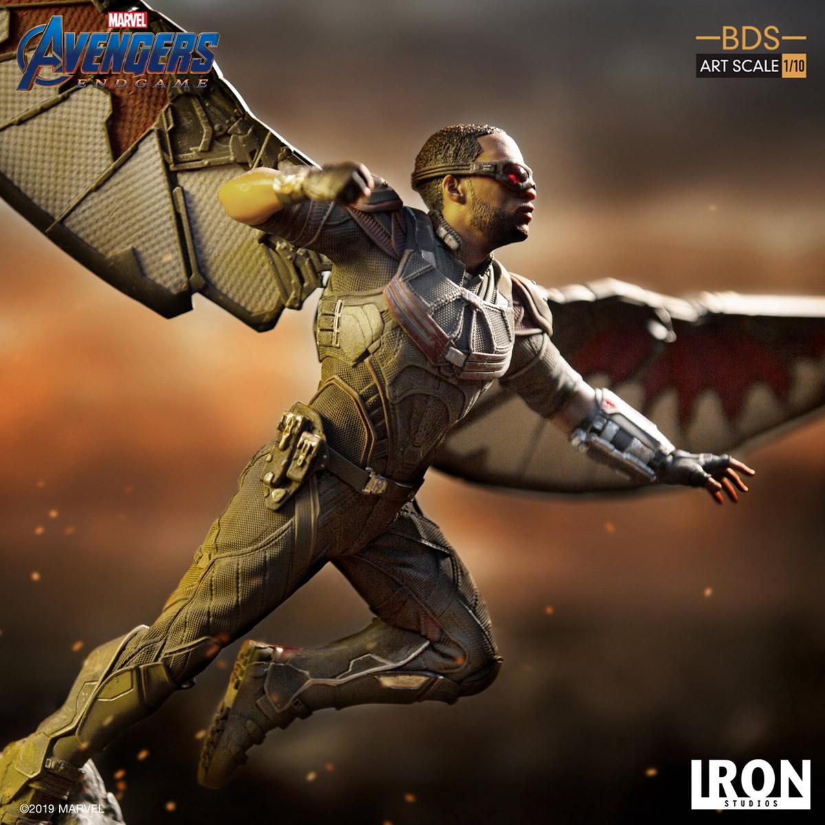Escala art/ística Iron Studios IS18619 Falcon BDS Figura Decorativa