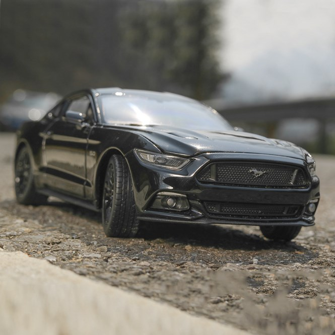 Ford Mustang GT 2015 Model Cars 1:24 Collection/&Gifts Toys Black Alloy Diecast