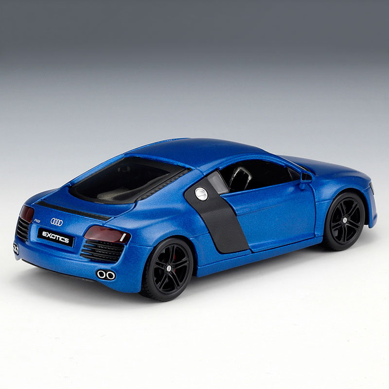 Audi R 8 Coupe/' 2007 Silverblue 1:24 Model MAISTO