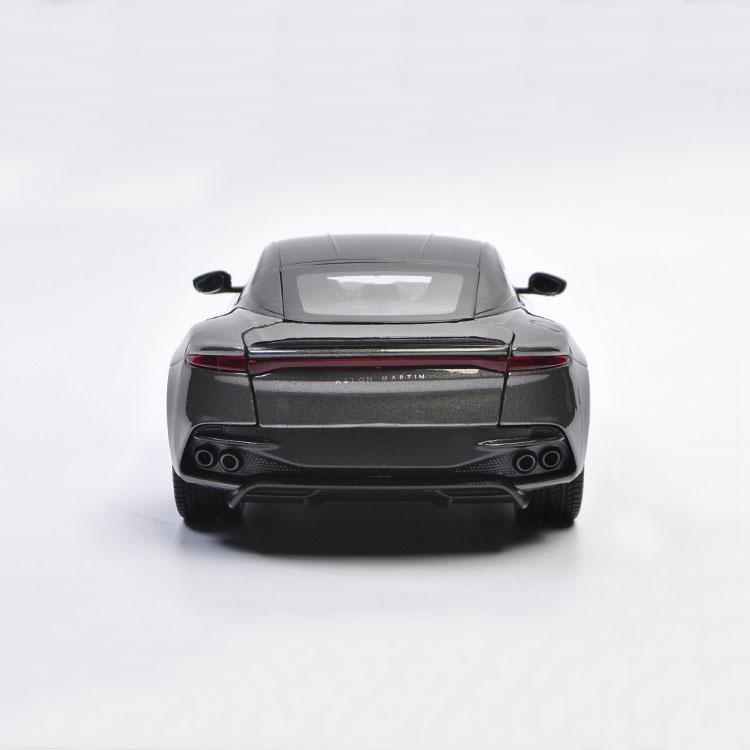 NEW Aston Martin DBS Superleggera Coup/é Gris /à partir de 2018 1//24 Welly Mod/èle voiture