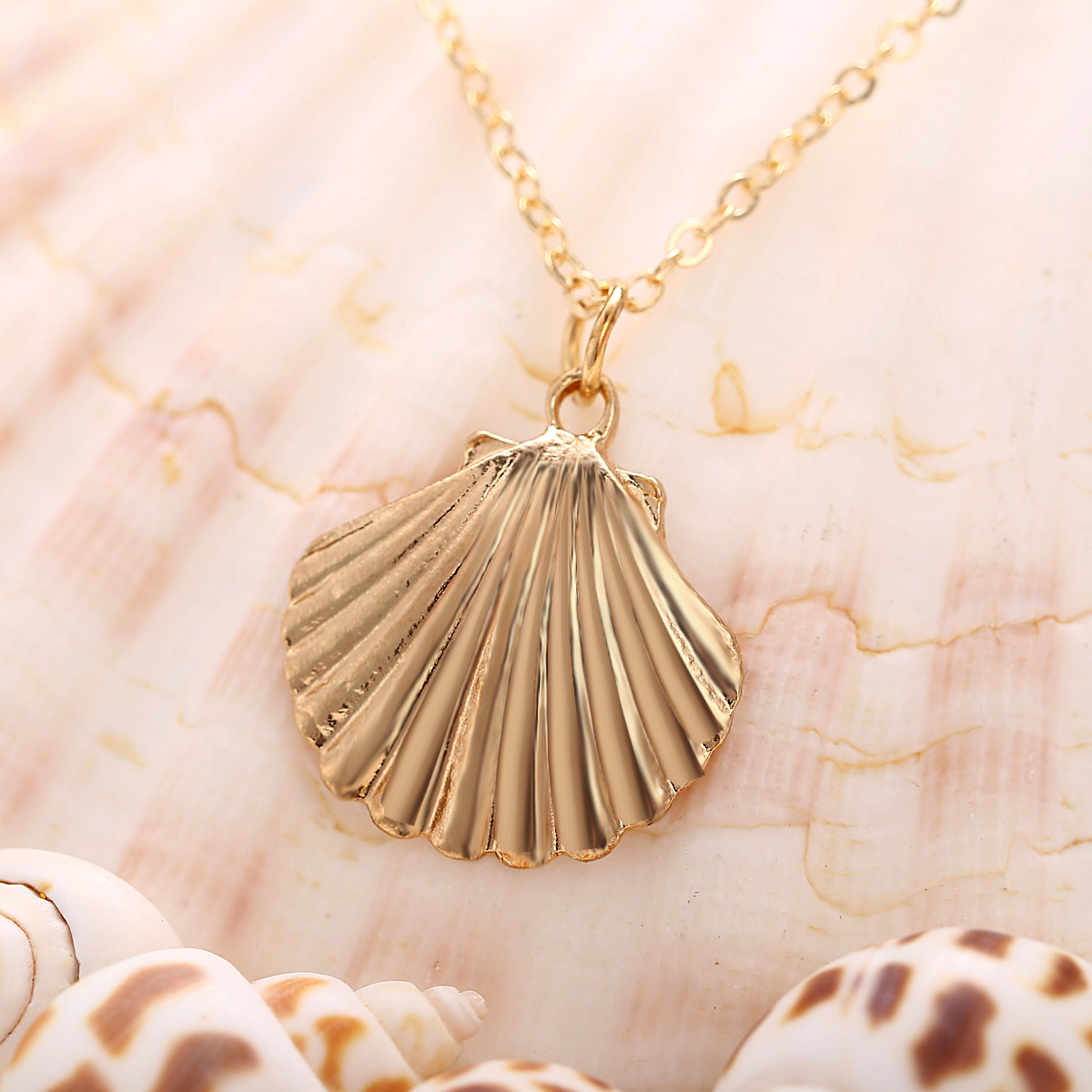 1Pc Gold Chain Necklace Natural Sea Conch Shell Pendant Hawaiian Fashion Jewelry
