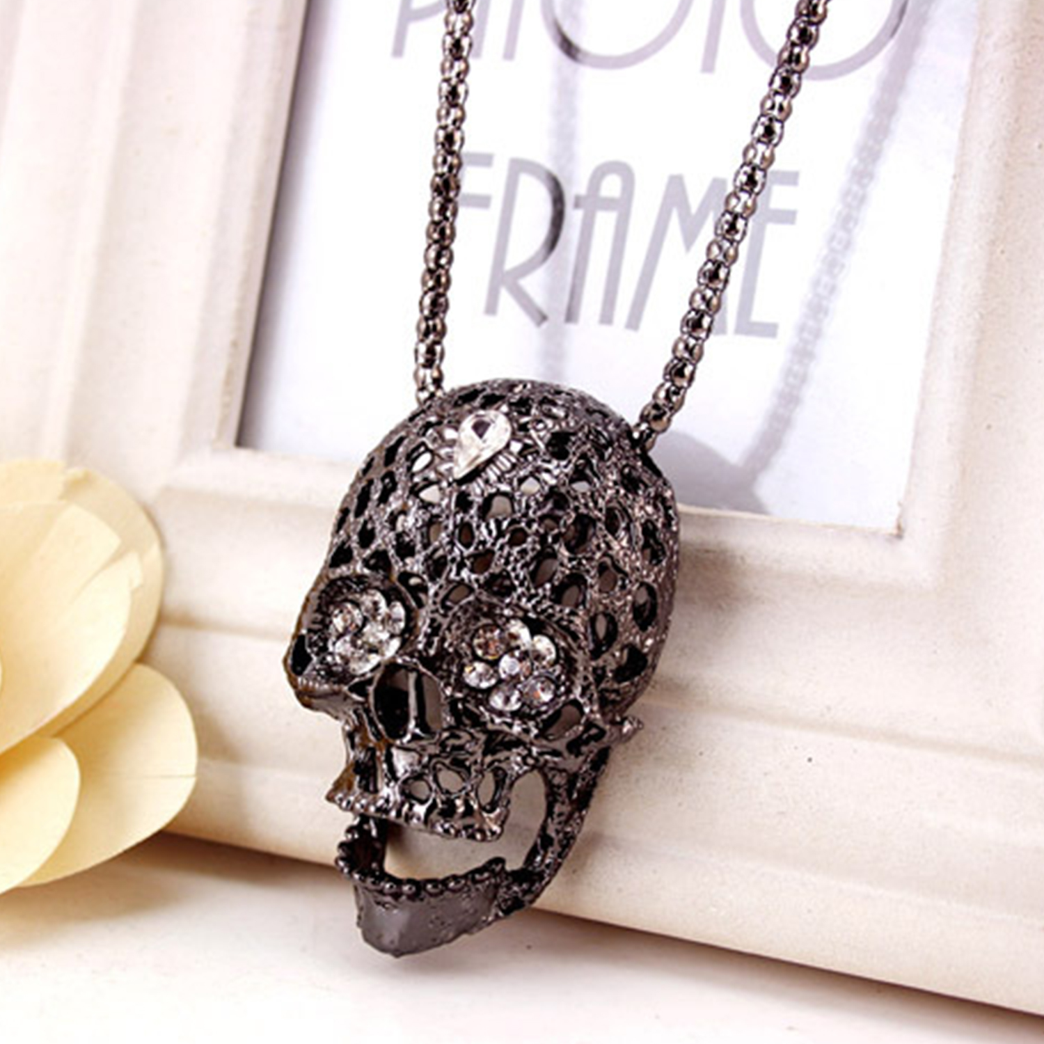CHIC Charm Alloy Skull Crystal Rhinestone Pendant Sweater Chain Necklace Jewelry