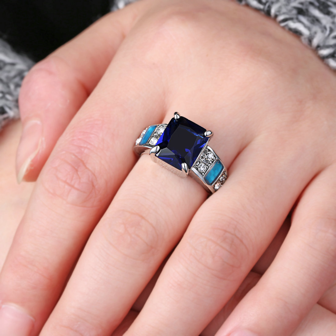Blue Fire Opal sapphire / Zircon Lady\'s Silver Plated wedding Ring ...